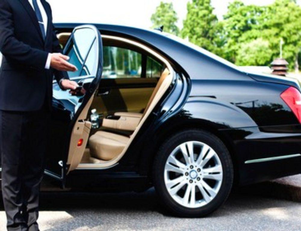 I nostri mezzi Ncc Roma dispongono di chauffeur qualificati e disponibili